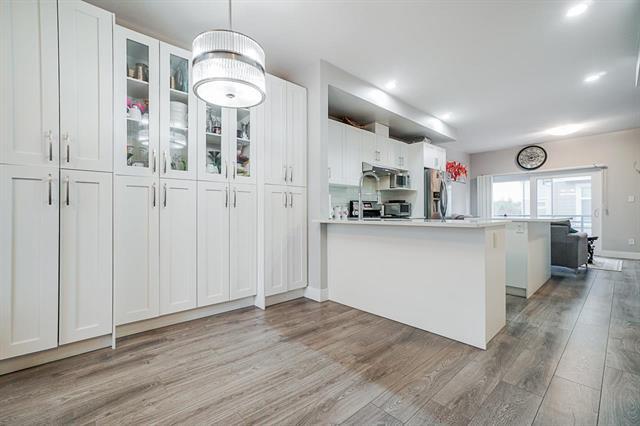 Main Photo: 27 14660 105A Avenue in : Guildford Condo for sale (Surrey)  : MLS®# R2517453