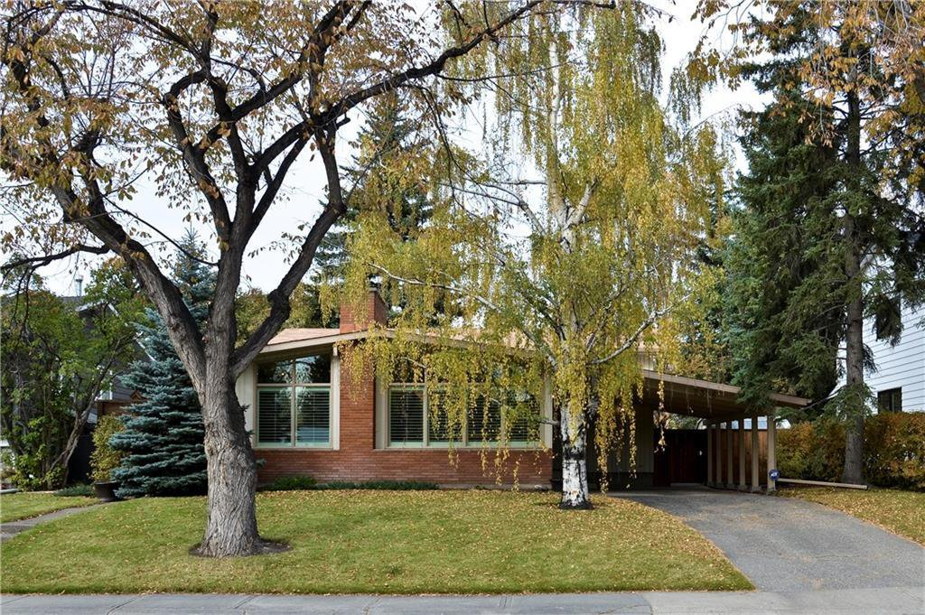 Main Photo: 2336 LONGRIDGE Drive SW in Calgary: North Glenmore Park Detached for sale : MLS®# C4272133