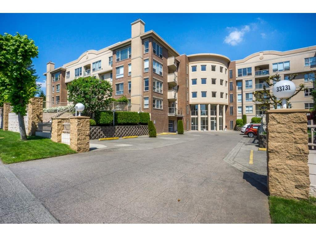 """Main Photo: 212 33731 MARSHALL Road in Abbotsford: Central Abbotsford Condo for sale in """"Stephanie Place"""" : MLS®# R2442748"""