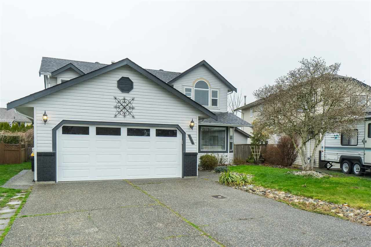 Main Photo: 5844 GLENDALE Drive in Chilliwack: Vedder S Watson-Promontory House for sale (Sardis)  : MLS®# R2444726