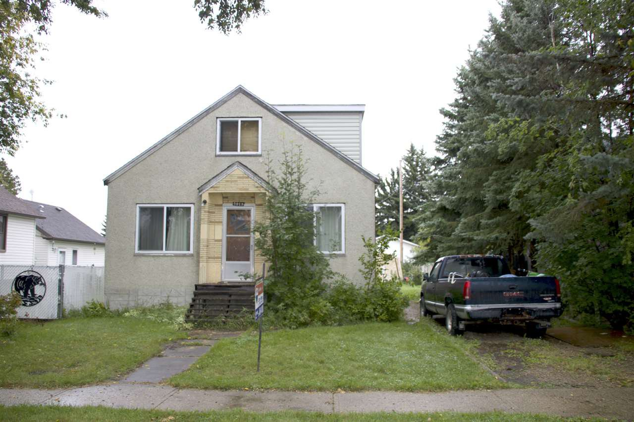 Main Photo: 5019 49 Street: Calmar House for sale : MLS®# E4172973