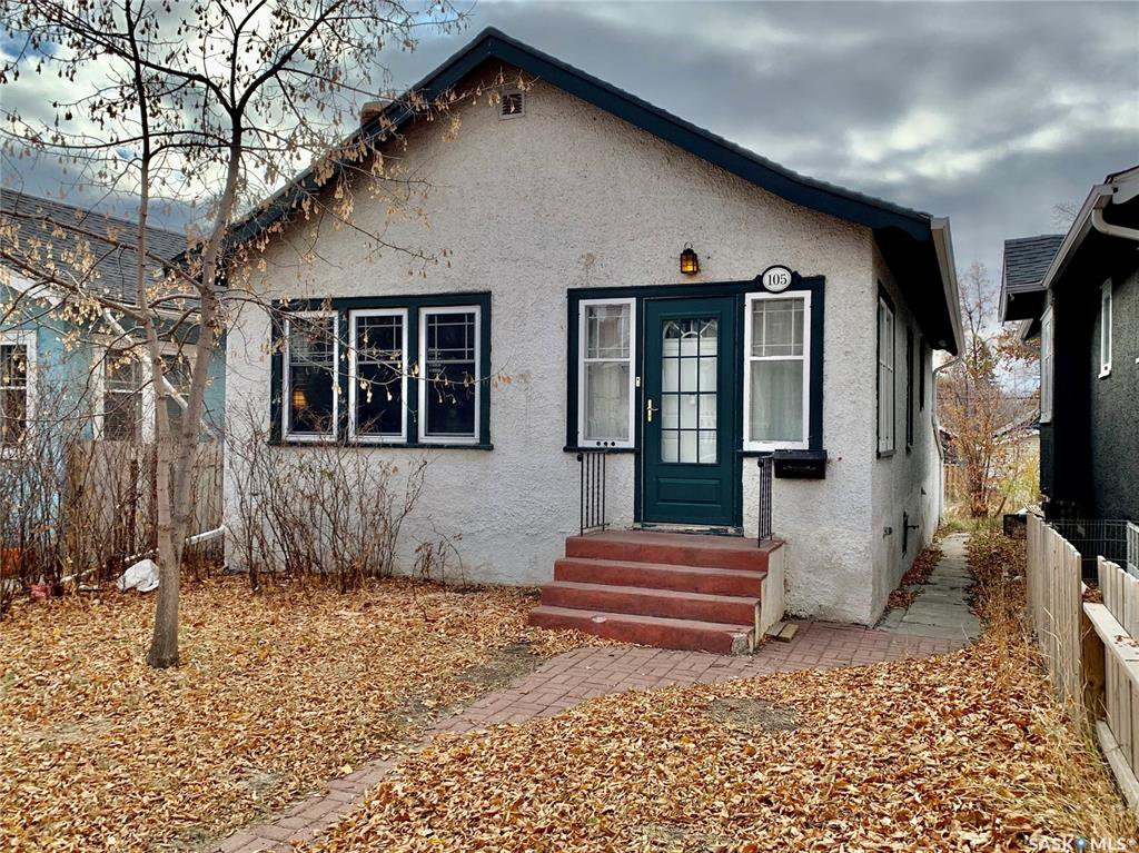 Main Photo: 105 28th Street West in Saskatoon: Caswell Hill Residential for sale : MLS®# SK831226