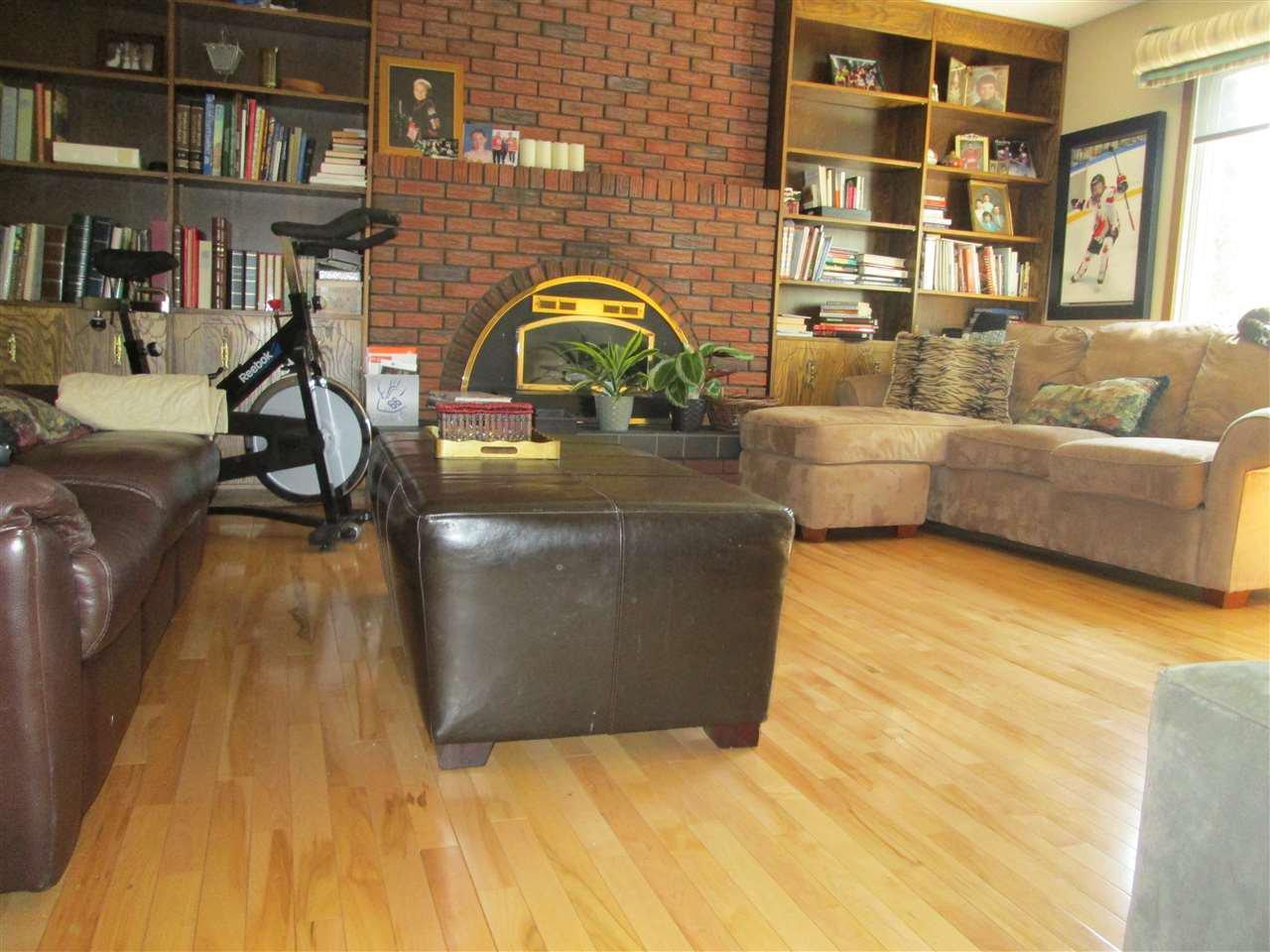 Main Photo: 3412 83 Street in Edmonton: Zone 29 House for sale : MLS®# E4172802
