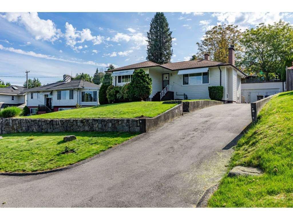 Main Photo: 10366 124A Street in Surrey: Cedar Hills House for sale (North Surrey)  : MLS®# R2468829