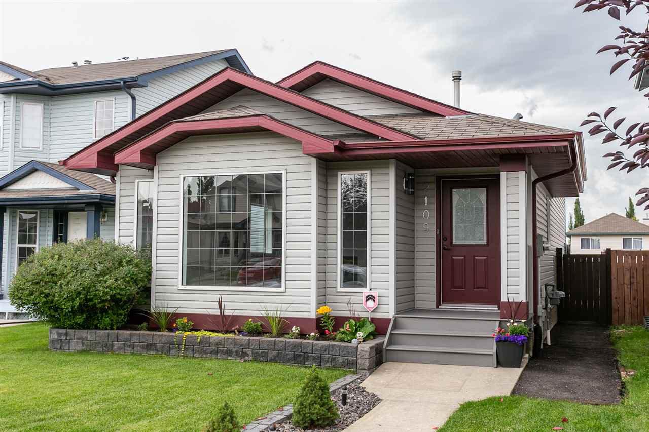 Main Photo: 2109 37 Avenue in Edmonton: Zone 30 House for sale : MLS®# E4167775