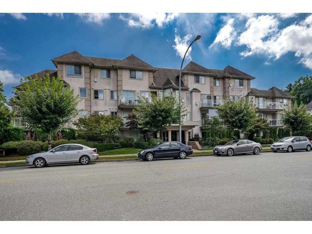 "Main Photo: 306 3128 FLINT Street in Port Coquitlam: Glenwood PQ Condo for sale in ""FRASER COURT TERRACE"" : MLS®# R2400660"