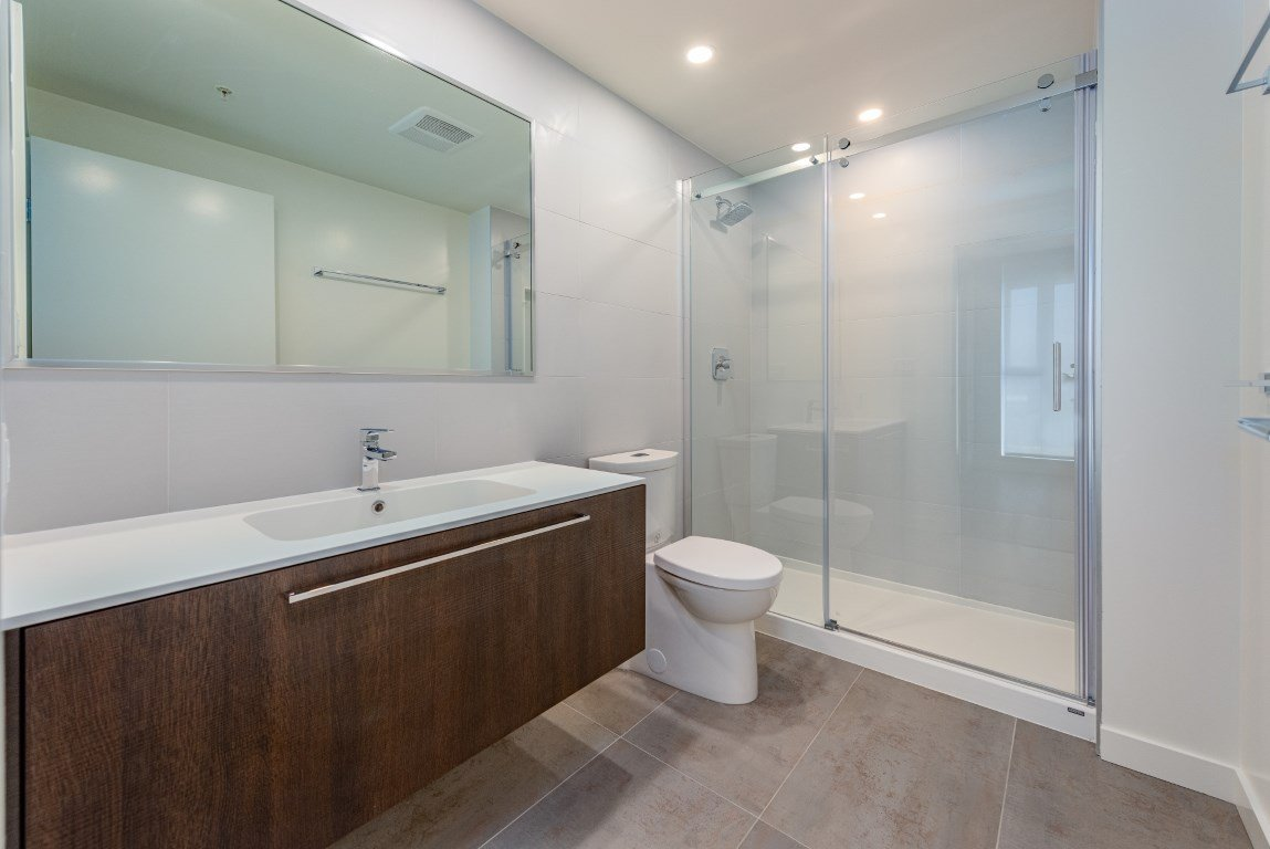 """Photo 7: Photos: 2210 285 E 10TH Avenue in Vancouver: Mount Pleasant VE Condo for sale in """"THE INDEPENDENT"""" (Vancouver East)  : MLS®# R2409964"""