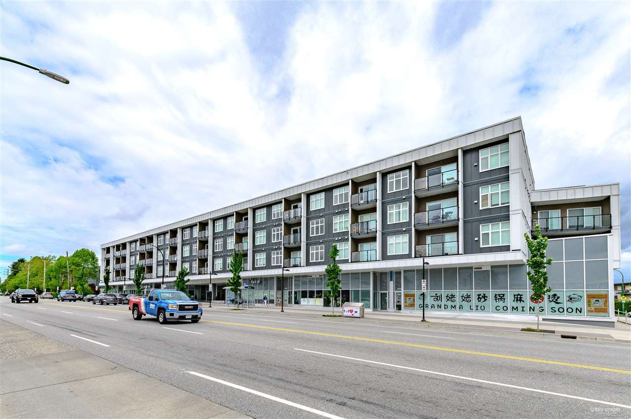 Main Photo: 105 6283 KINGSWAY in Burnaby: Highgate Condo for sale (Burnaby South)  : MLS®# R2475628