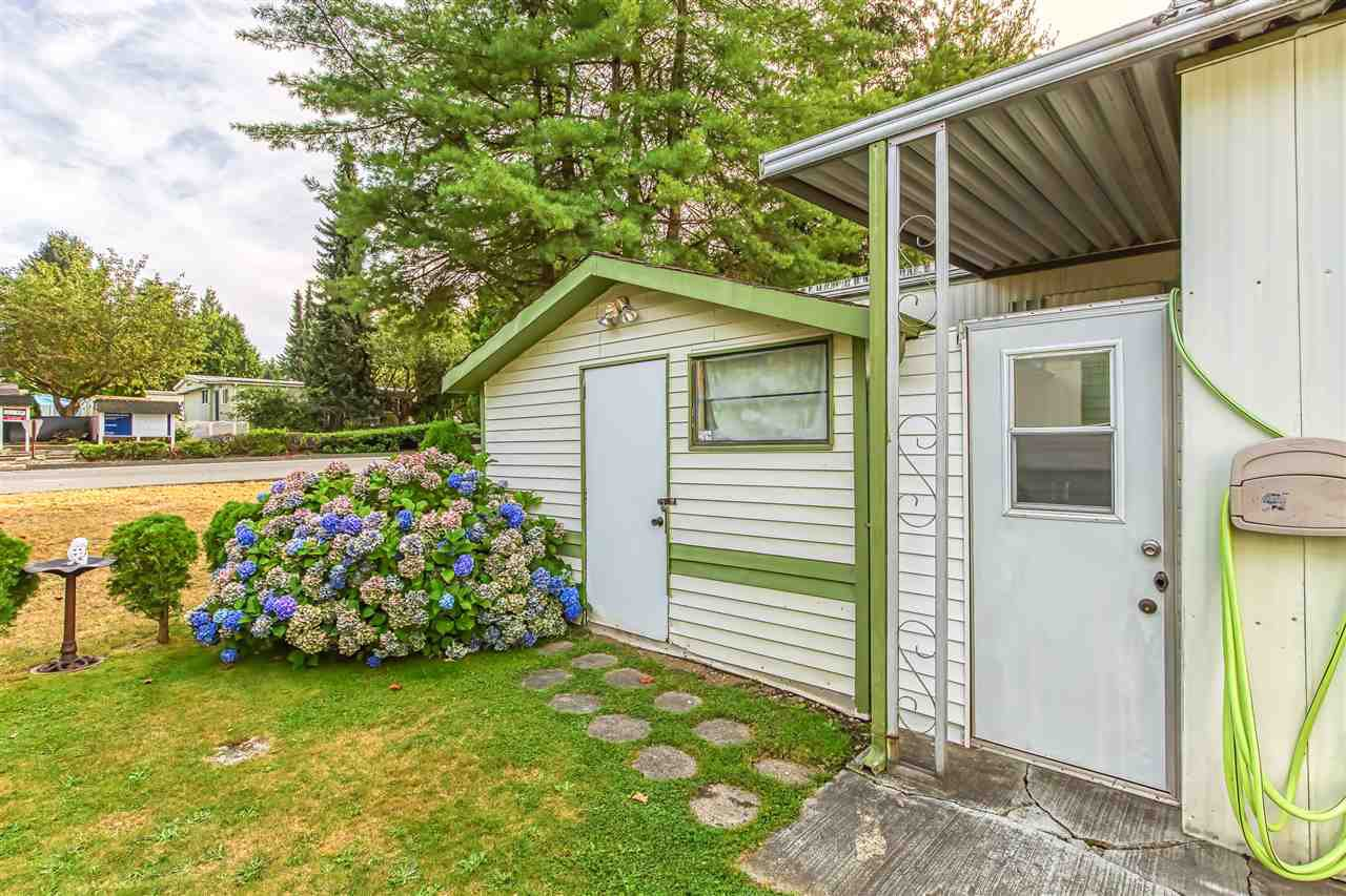 """Photo 16: Photos: 4 7850 KING GEORGE Boulevard in Surrey: East Newton Manufactured Home for sale in """"BEAR CREEK GLEN"""" : MLS®# R2491097"""