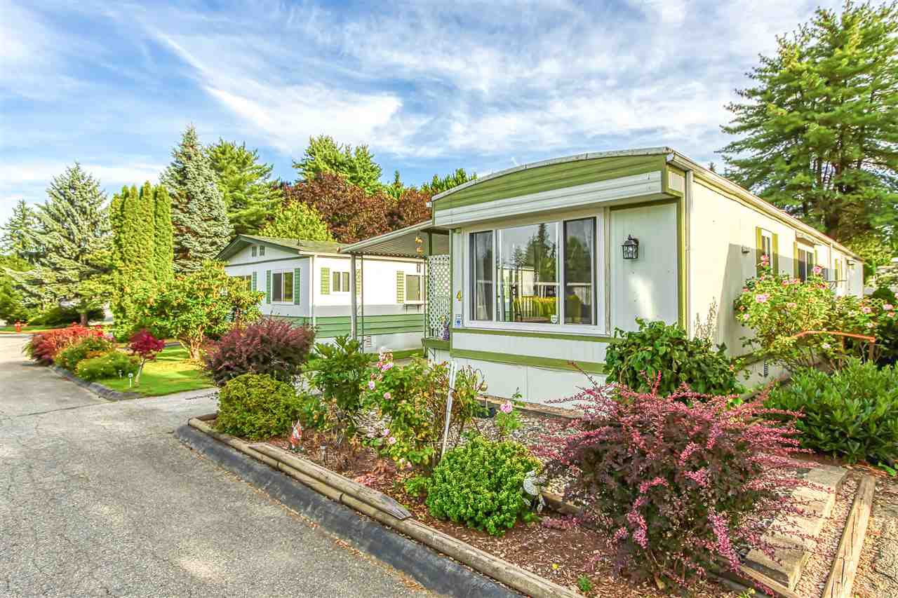 """Photo 3: Photos: 4 7850 KING GEORGE Boulevard in Surrey: East Newton Manufactured Home for sale in """"BEAR CREEK GLEN"""" : MLS®# R2491097"""