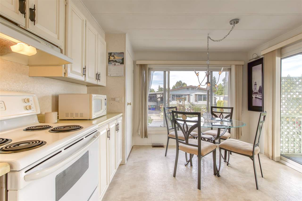 """Photo 8: Photos: 4 7850 KING GEORGE Boulevard in Surrey: East Newton Manufactured Home for sale in """"BEAR CREEK GLEN"""" : MLS®# R2491097"""
