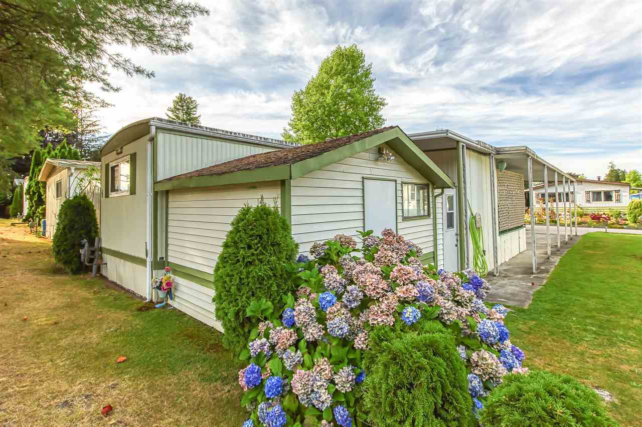 """Photo 17: Photos: 4 7850 KING GEORGE Boulevard in Surrey: East Newton Manufactured Home for sale in """"BEAR CREEK GLEN"""" : MLS®# R2491097"""