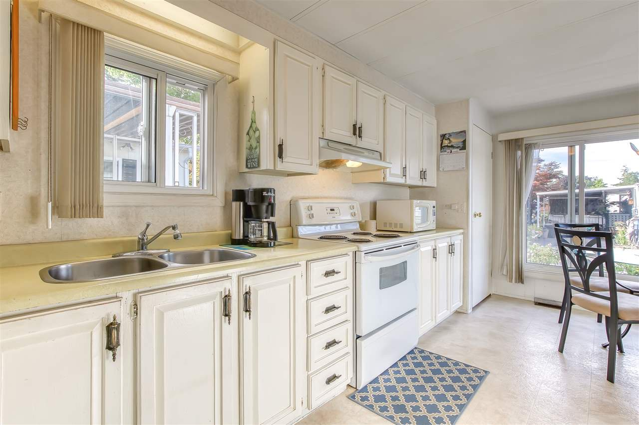 """Photo 7: Photos: 4 7850 KING GEORGE Boulevard in Surrey: East Newton Manufactured Home for sale in """"BEAR CREEK GLEN"""" : MLS®# R2491097"""