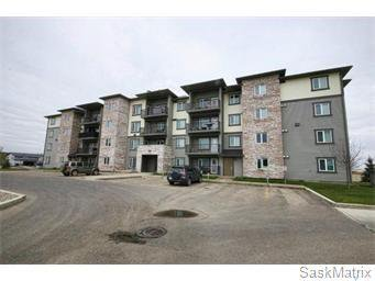 Main Photo: 101 306 Petterson Drive in Estevan: Residential for sale : MLS®# SK782417