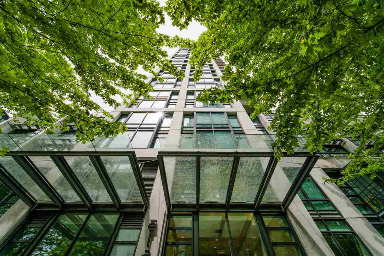 "Main Photo: 309 1255 SEYMOUR Street in Vancouver: Downtown VW Condo for sale in ""ELAN"" (Vancouver West)  : MLS®# R2429089"
