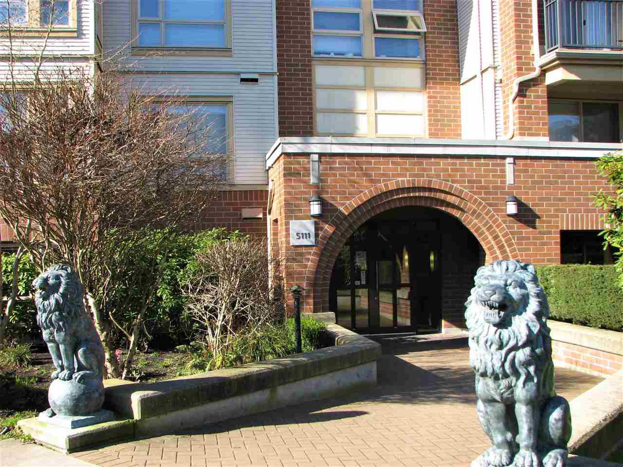 """Main Photo: 5303 5111 GARDEN CITY Road in Richmond: Brighouse Condo for sale in """"LIONS PARK"""" : MLS®# R2438425"""