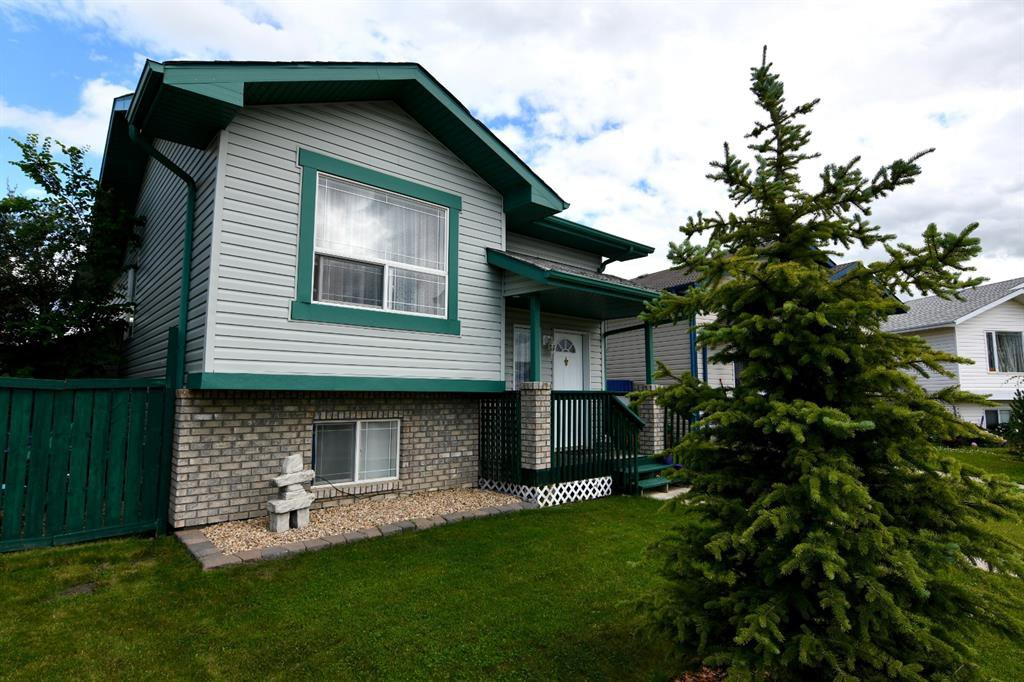 Main Photo: 31 DURAND Crescent in Red Deer: Davenport Residential for sale : MLS®# A1013486