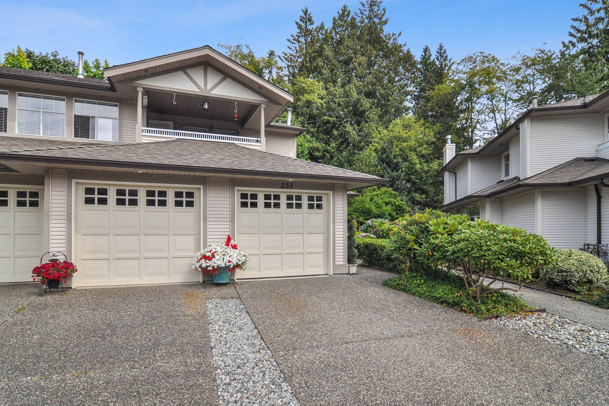 """Main Photo: 233 20391 96 Avenue in Langley: Walnut Grove Townhouse for sale in """"Chelsea Green"""" : MLS®# R2489139"""