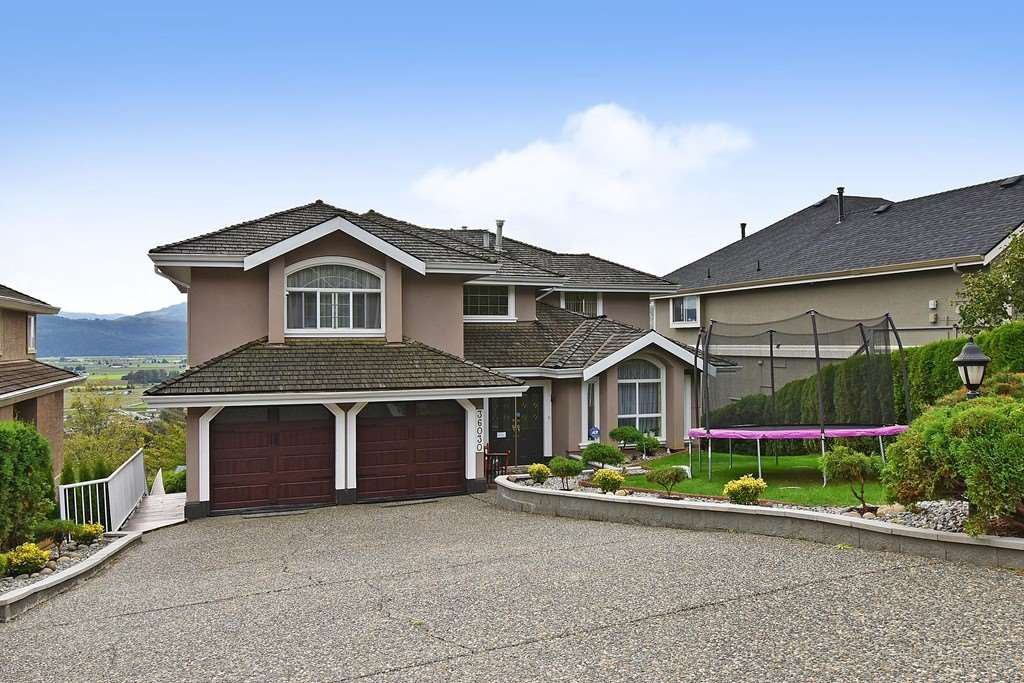 Main Photo: 36030 REGAL Parkway in Abbotsford: Abbotsford East House for sale : MLS®# R2509369