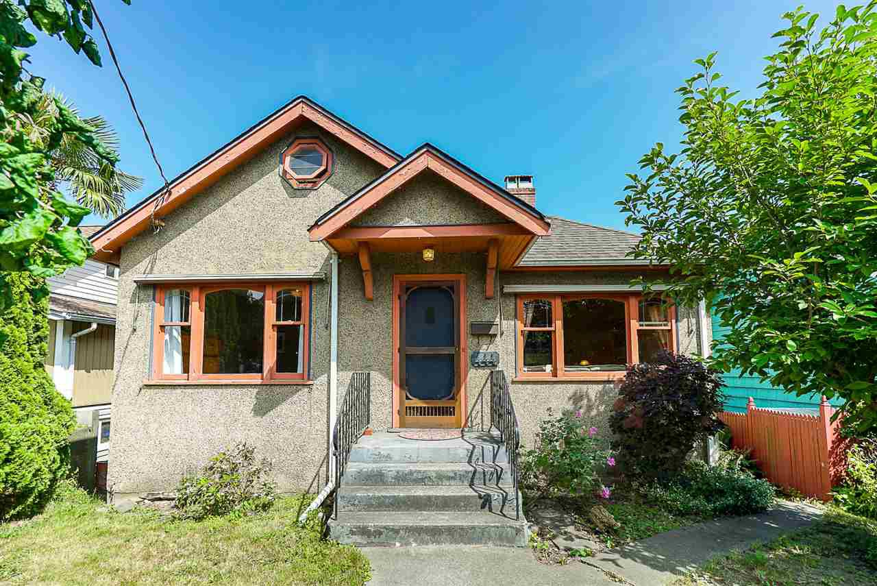 """Main Photo: 444 FADER Street in New Westminster: Sapperton House for sale in """"Sapperton"""" : MLS®# R2391166"""