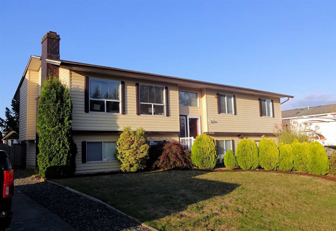 Main Photo: 33551 KINSALE Place in Abbotsford: Poplar House for sale : MLS®# R2410254