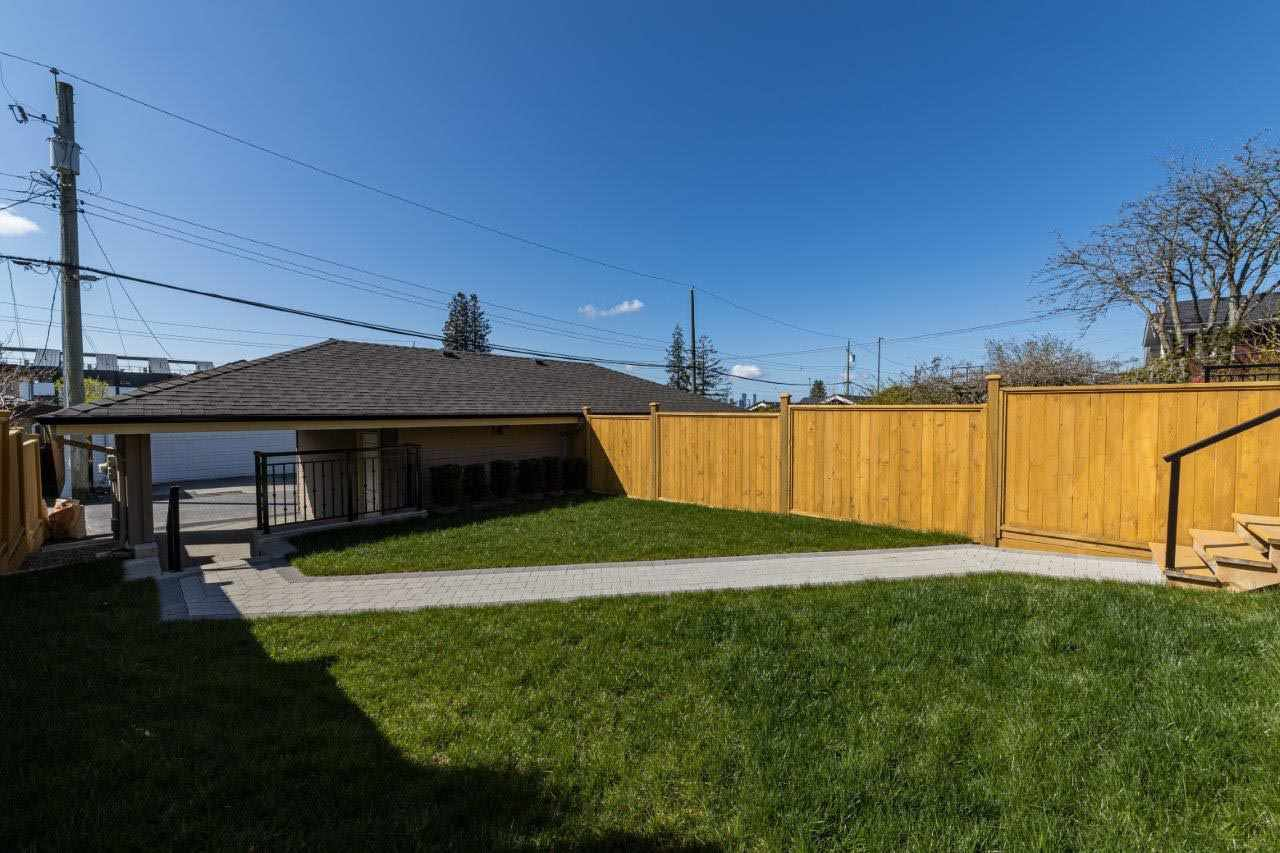 Photo 18: Photos: 545 E 4TH Street in North Vancouver: Lower Lonsdale 1/2 Duplex for sale : MLS®# R2448939