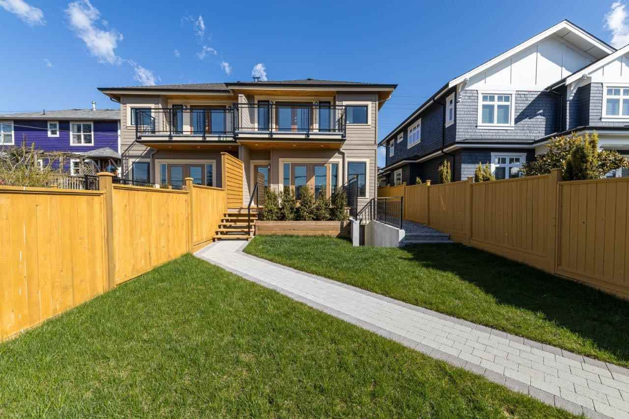 Photo 19: Photos: 545 E 4TH Street in North Vancouver: Lower Lonsdale 1/2 Duplex for sale : MLS®# R2448939