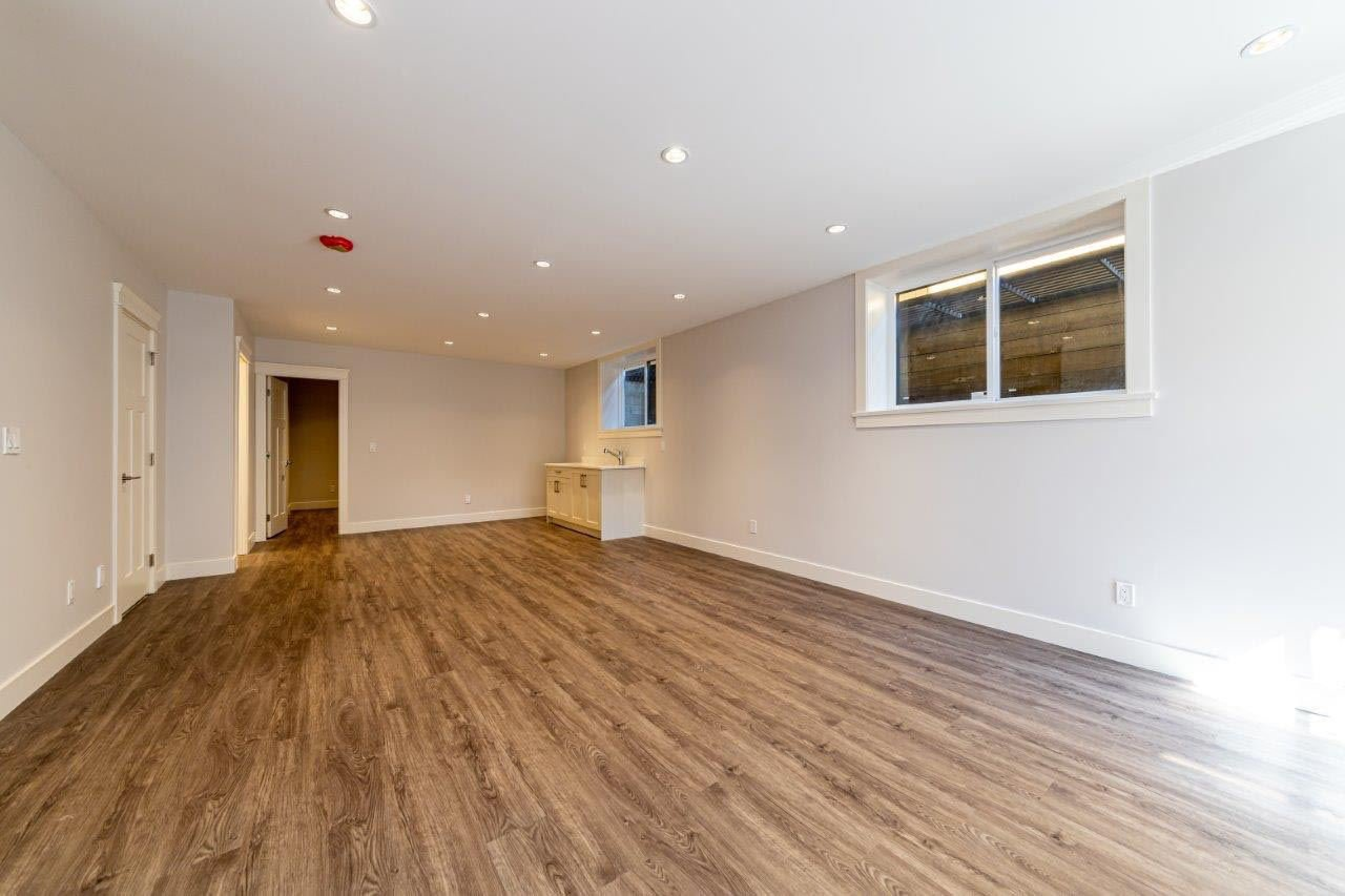 Photo 16: Photos: 545 E 4TH Street in North Vancouver: Lower Lonsdale 1/2 Duplex for sale : MLS®# R2448939