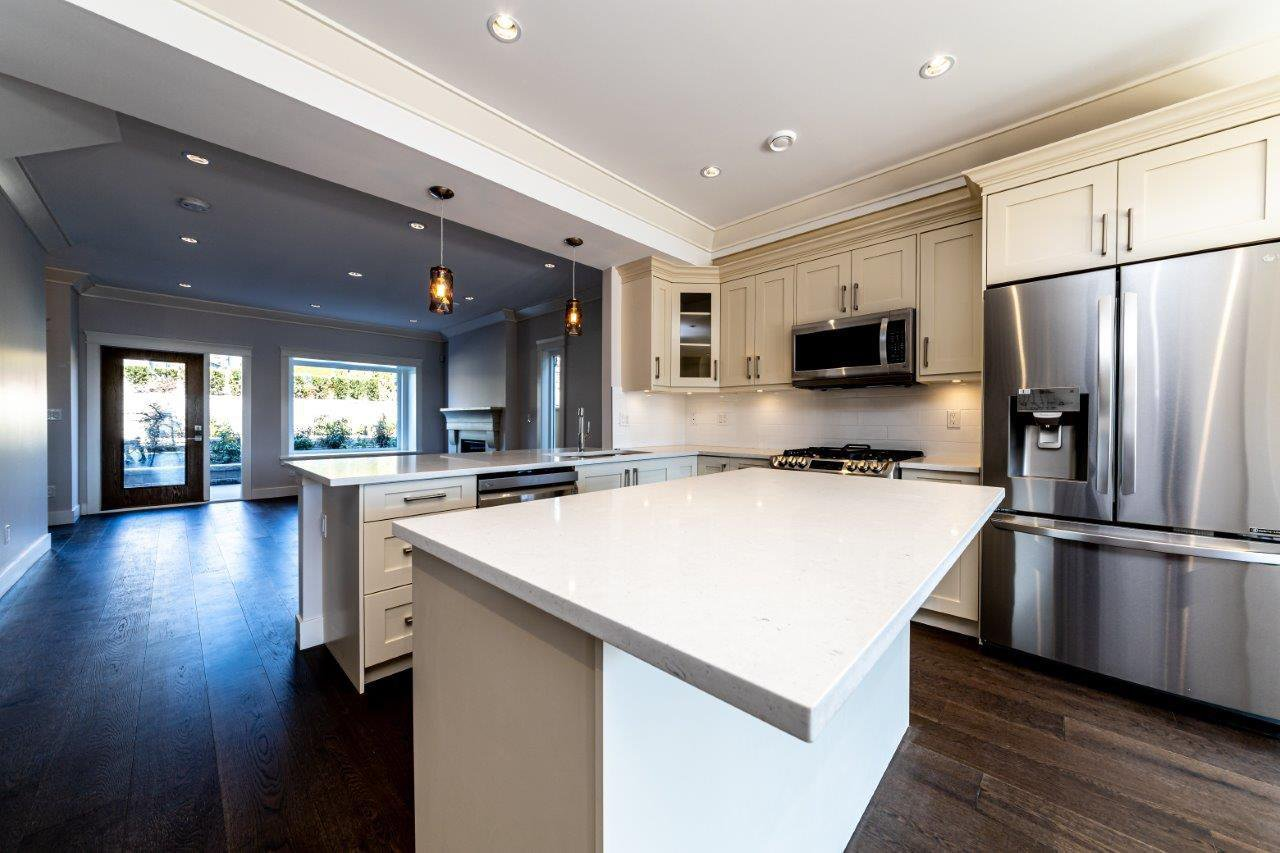 Photo 6: Photos: 545 E 4TH Street in North Vancouver: Lower Lonsdale 1/2 Duplex for sale : MLS®# R2448939