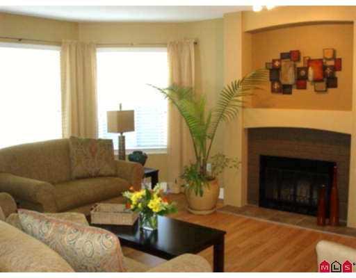 Photo 3: Photos: 21578 94A AV in Langley: Walnut Grove House for sale : MLS®# F2619301