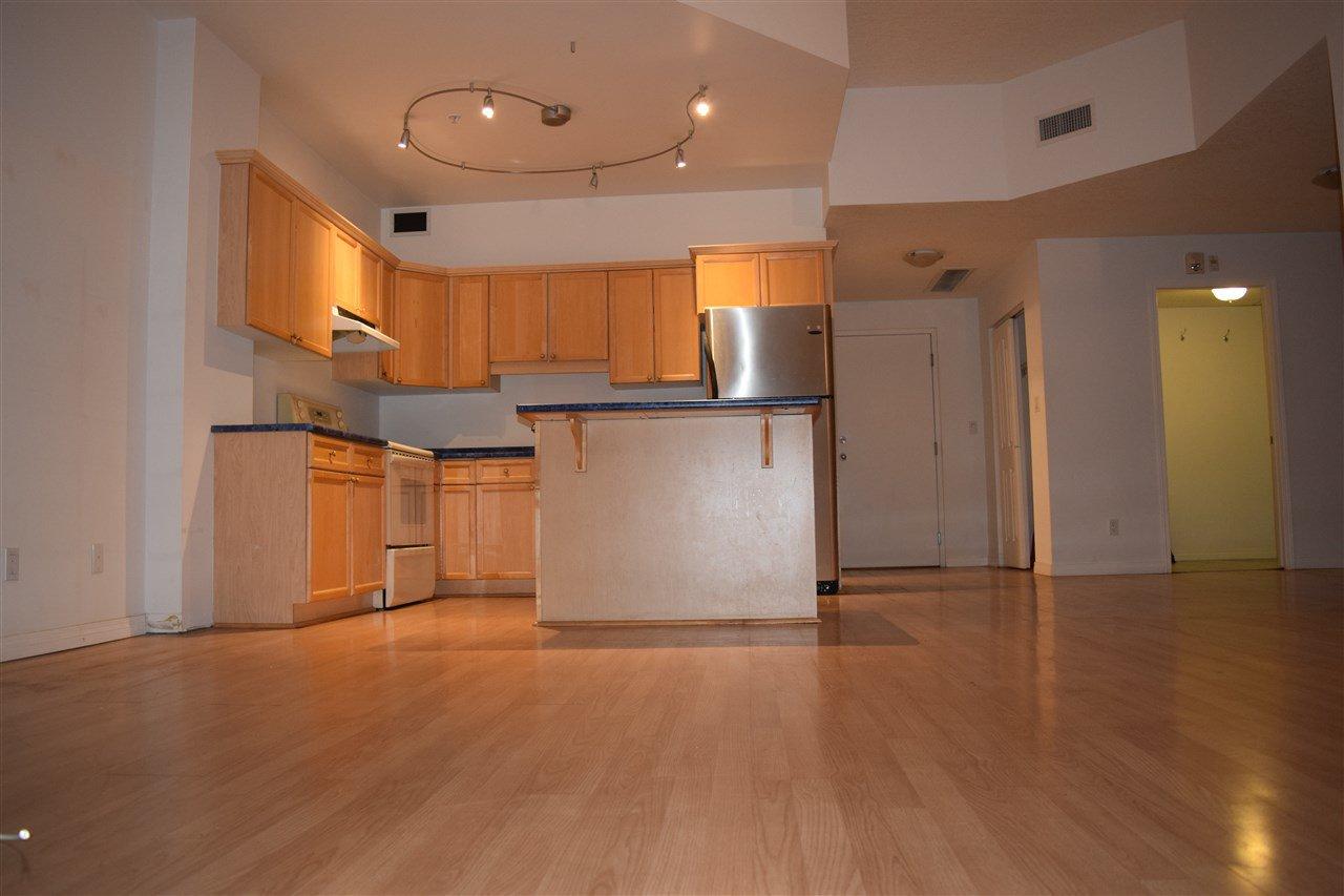 Main Photo: 702 10106 105 Street in Edmonton: Zone 12 Condo for sale : MLS®# E4177162
