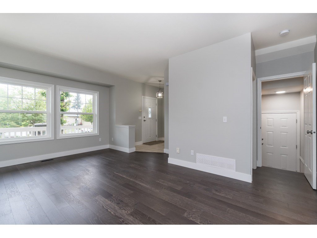 """Photo 8: Photos: 46410 CHESTER Drive in Chilliwack: Sardis East Vedder Rd House for sale in """"AVONLEA"""" (Sardis)  : MLS®# R2463780"""