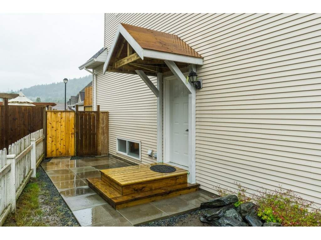 """Photo 37: Photos: 46410 CHESTER Drive in Chilliwack: Sardis East Vedder Rd House for sale in """"AVONLEA"""" (Sardis)  : MLS®# R2463780"""