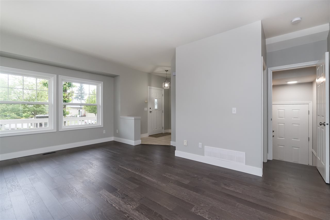 """Photo 39: Photos: 46410 CHESTER Drive in Chilliwack: Sardis East Vedder Rd House for sale in """"AVONLEA"""" (Sardis)  : MLS®# R2463780"""