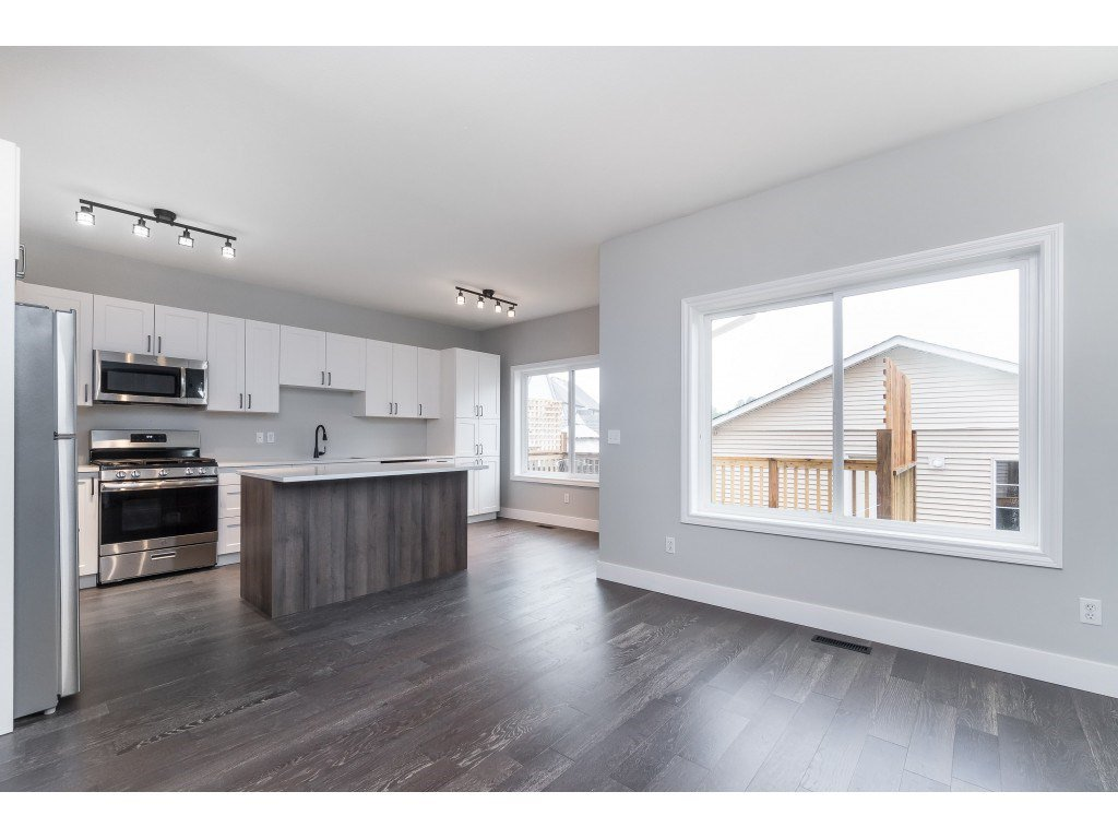 """Photo 13: Photos: 46410 CHESTER Drive in Chilliwack: Sardis East Vedder Rd House for sale in """"AVONLEA"""" (Sardis)  : MLS®# R2463780"""