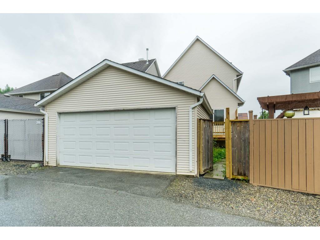 """Photo 38: Photos: 46410 CHESTER Drive in Chilliwack: Sardis East Vedder Rd House for sale in """"AVONLEA"""" (Sardis)  : MLS®# R2463780"""