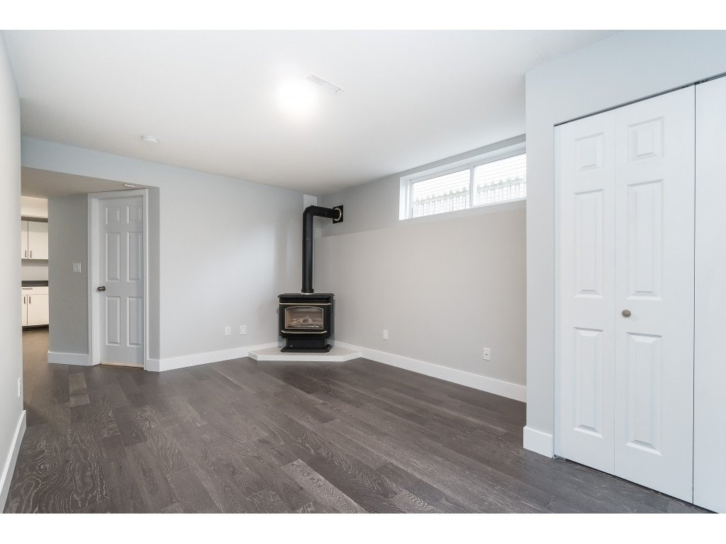 """Photo 25: Photos: 46410 CHESTER Drive in Chilliwack: Sardis East Vedder Rd House for sale in """"AVONLEA"""" (Sardis)  : MLS®# R2463780"""