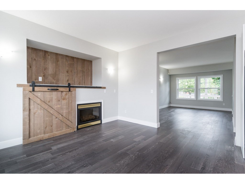 """Photo 12: Photos: 46410 CHESTER Drive in Chilliwack: Sardis East Vedder Rd House for sale in """"AVONLEA"""" (Sardis)  : MLS®# R2463780"""