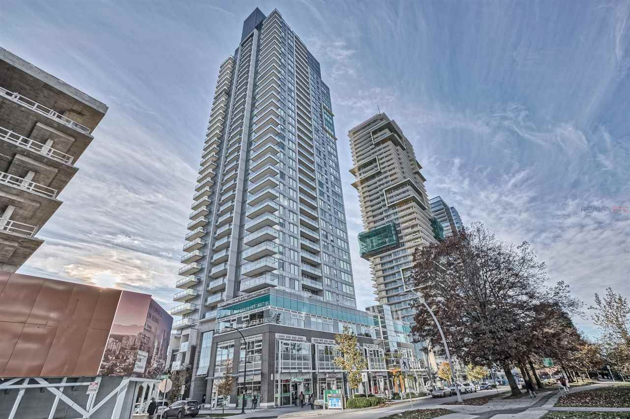 Main Photo: 402 6333 SILVER Avenue in Burnaby: Metrotown Condo for sale (Burnaby South)  : MLS®# R2416343