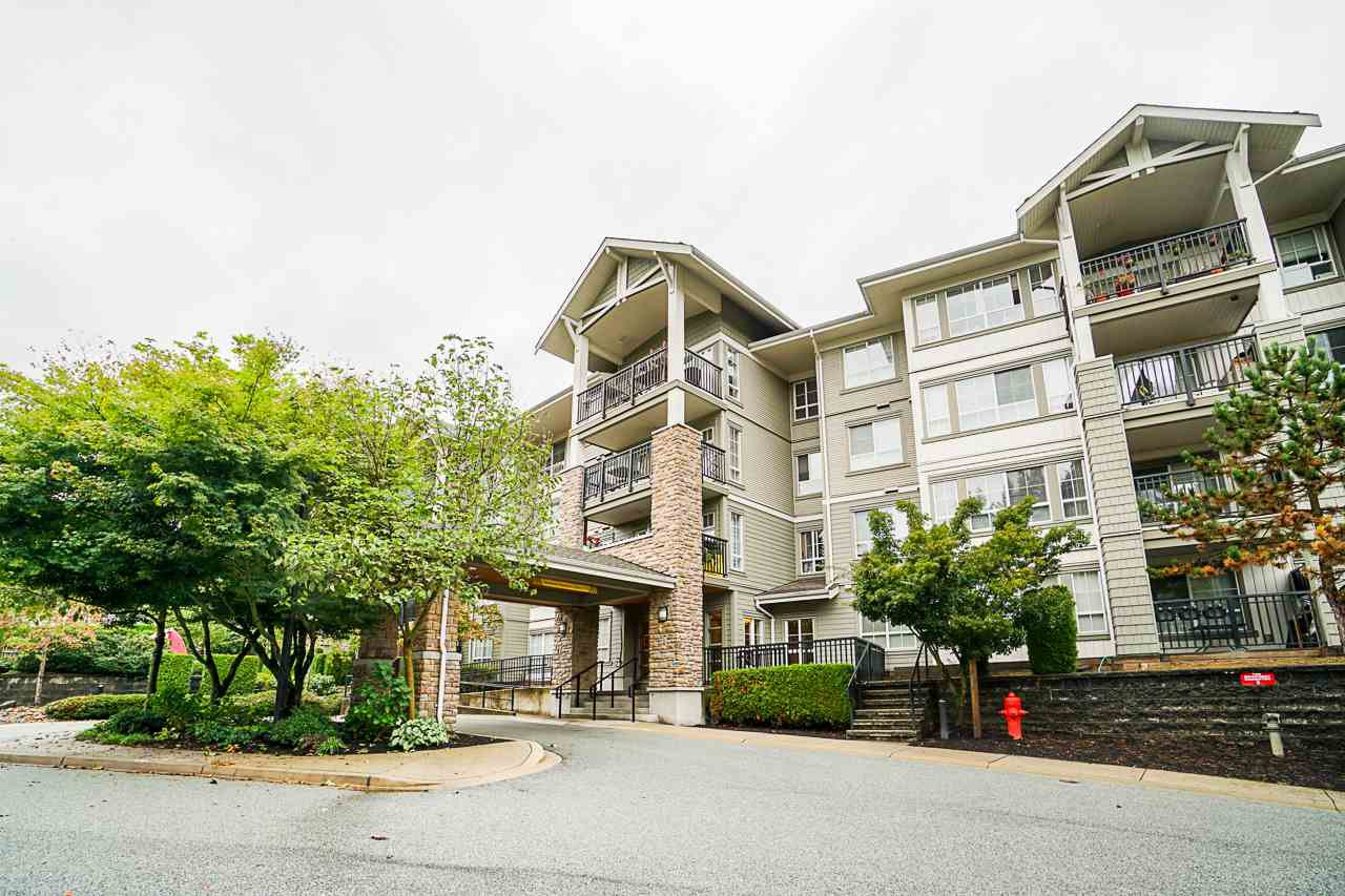 "Main Photo: 102 9233 GOVERNMENT Street in Burnaby: Government Road Condo for sale in ""Sandlewood complex"" (Burnaby North)  : MLS®# R2502395"