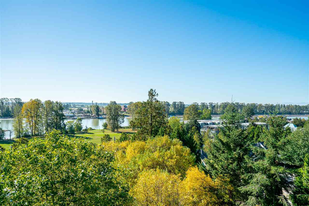 """Main Photo: 606 3061 E KENT AVENUE NORTH in Vancouver: South Marine Condo for sale in """"THE PHOENIX"""" (Vancouver East)  : MLS®# R2503267"""