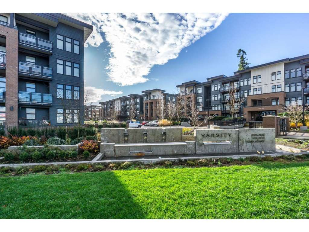 "Main Photo: 104 20062 FRASER Highway in Langley: Langley City Condo for sale in ""Varsity"" : MLS®# R2453386"