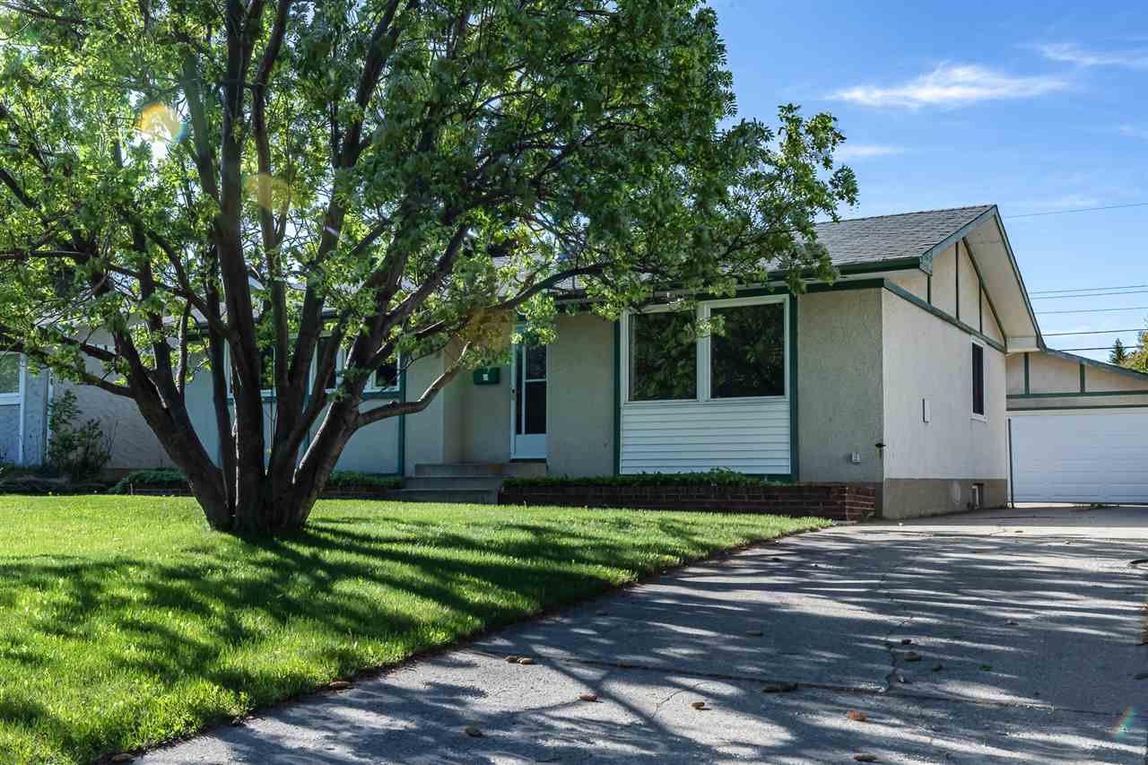 Main Photo: 880 Birch Avenue: Sherwood Park House for sale : MLS®# E4199660
