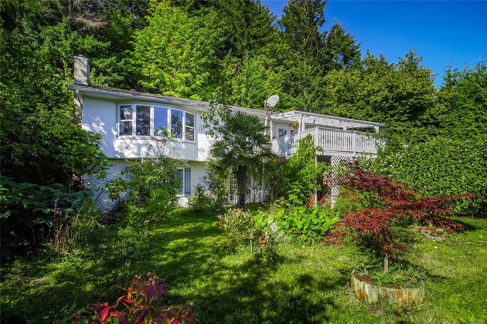 Main Photo: 775 Dogwood Rd in : Na South Jingle Pot House for sale (Nanaimo)  : MLS®# 857648