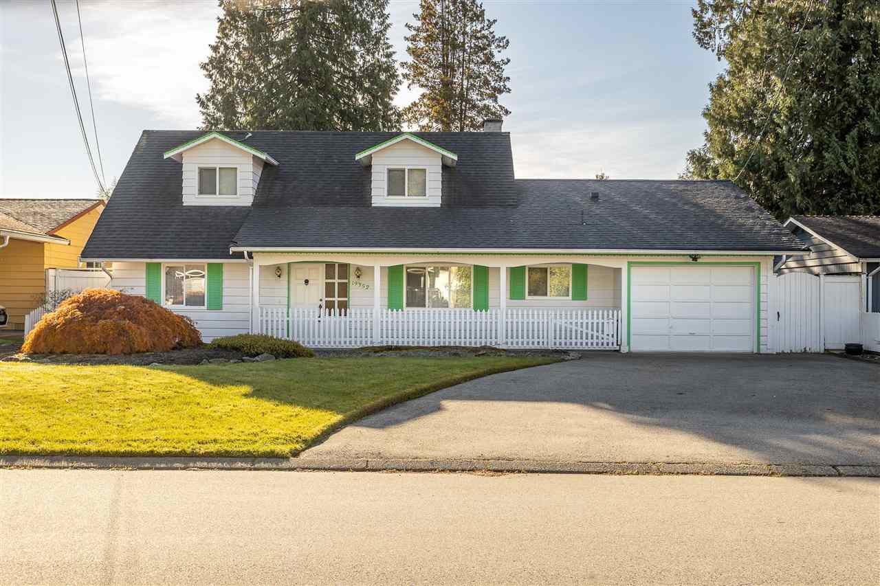 Main Photo: 19352 120B Avenue in Pitt Meadows: Central Meadows House for sale : MLS®# R2515245