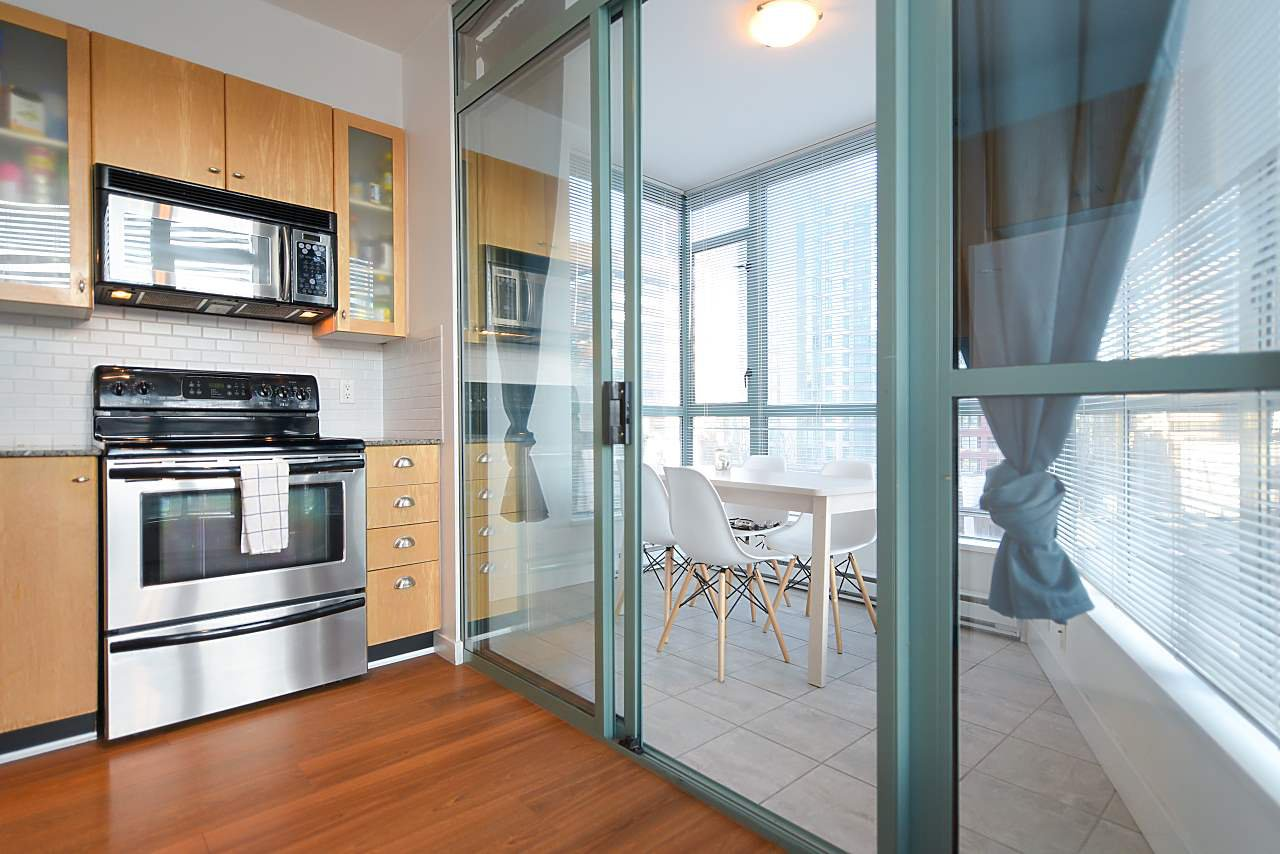 """Photo 6: Photos: 402 1238 BURRARD Street in Vancouver: Downtown VW Condo for sale in """"ALTADENA"""" (Vancouver West)  : MLS®# R2423214"""