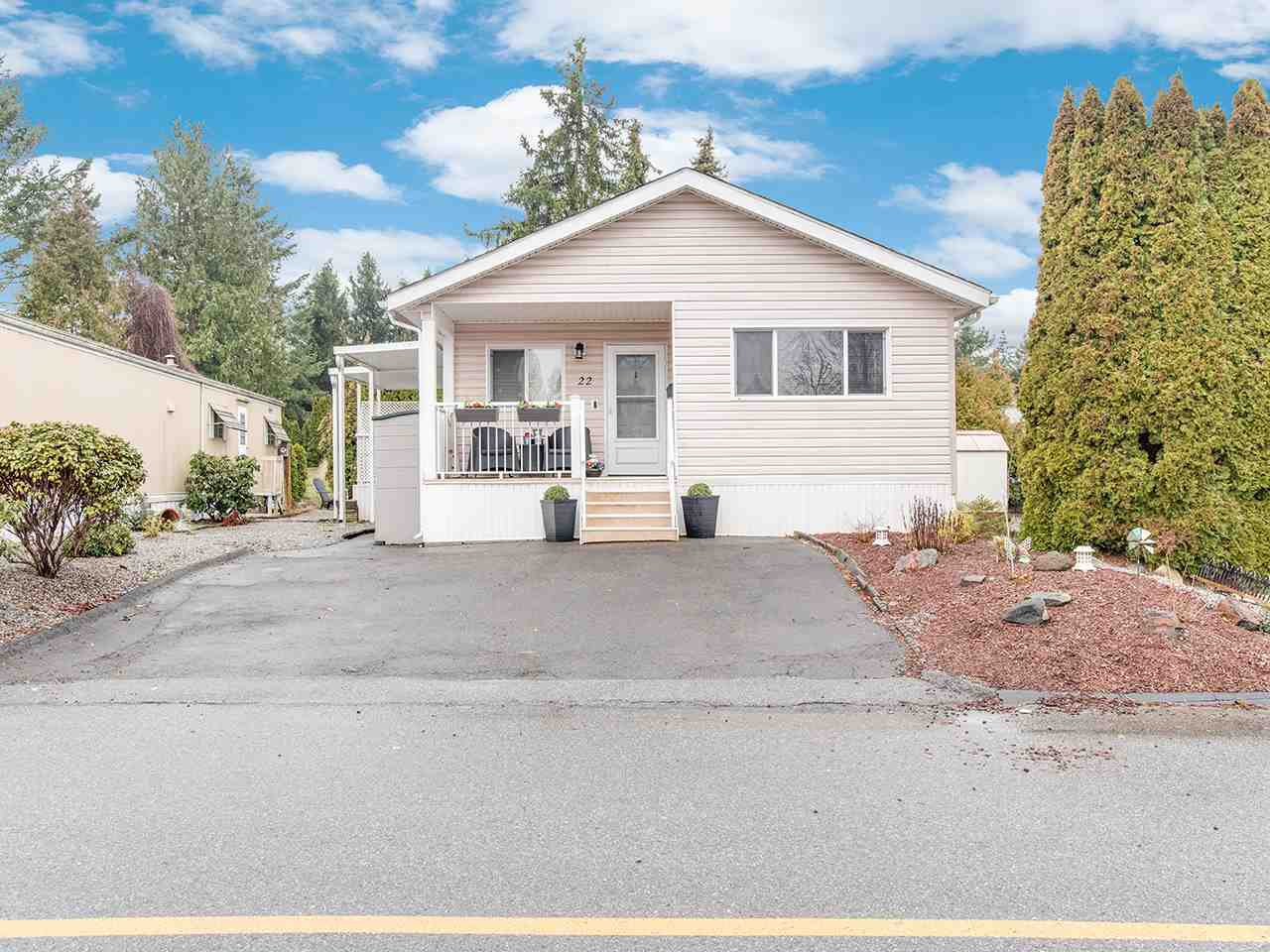 "Main Photo: 22 1840 160 Street in Surrey: King George Corridor Manufactured Home for sale in ""Breakaway Bays"" (South Surrey White Rock)  : MLS®# R2440063"