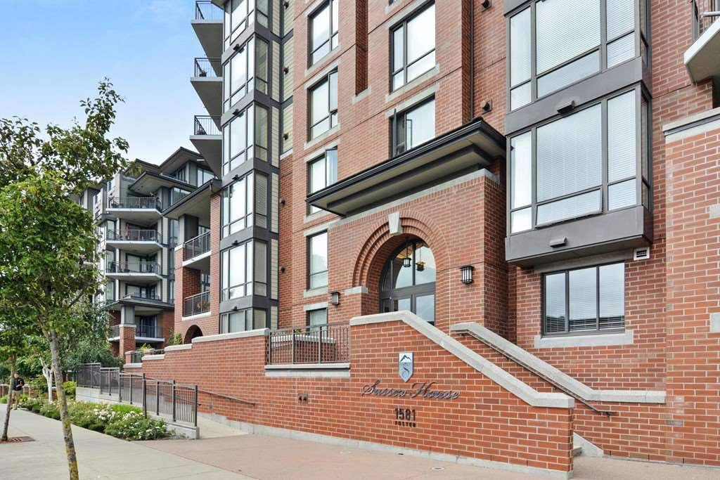 """Main Photo: 101 1581 FOSTER Street: White Rock Condo for sale in """"Sussex House"""" (South Surrey White Rock)  : MLS®# R2478848"""