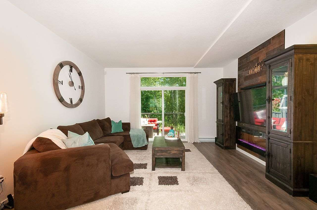 """Photo 3: Photos: 12 18681 68 Avenue in Surrey: Clayton Townhouse for sale in """"Creekside"""" (Cloverdale)  : MLS®# R2391665"""