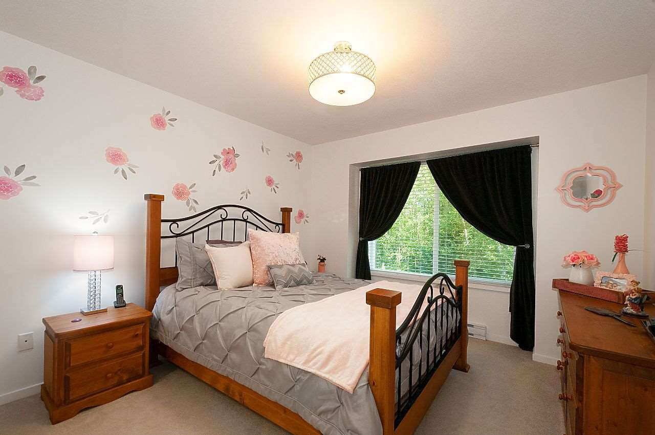 """Photo 11: Photos: 12 18681 68 Avenue in Surrey: Clayton Townhouse for sale in """"Creekside"""" (Cloverdale)  : MLS®# R2391665"""